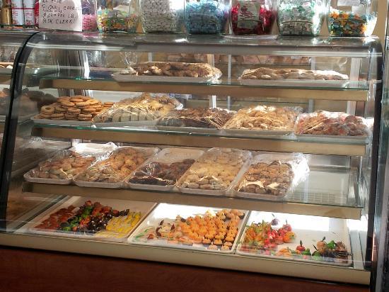 La Fiorentina Pastry Shop: Just sinful!