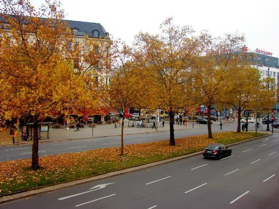 Panorama Am Adenauerplatz Hotel: view from the room (second floor)