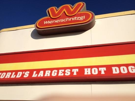 Wienerschnitzel: this is the place!