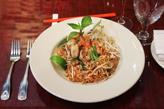 Colonial Quy-Bau: Shrimp Pad Thai done to Perfection
