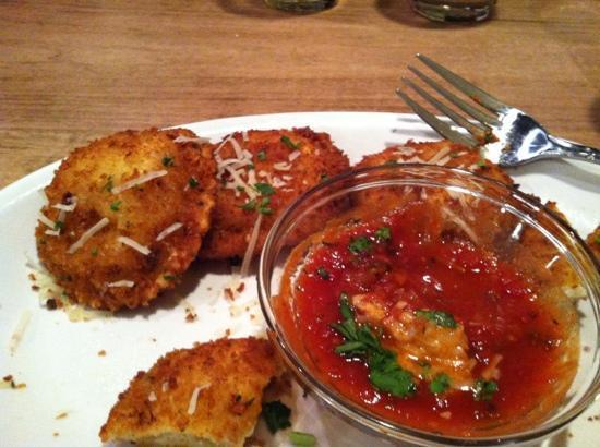 Gondola House: Fried raviolis.