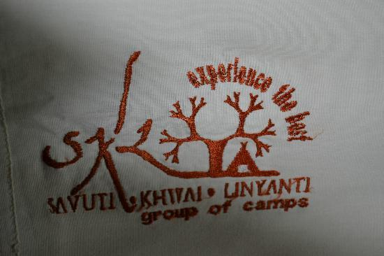Camp Savuti: l'insigne du camp