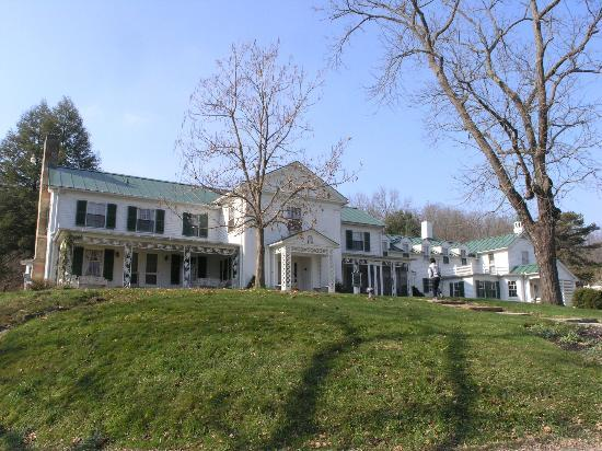 Malabar Farm State Park: The Big House in the afternoon sun (NOV 9 2012)