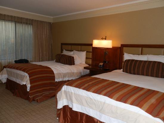 Hotel Abrego: chambre