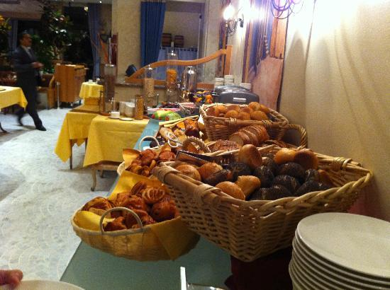 Le Royal Hotels & Resorts - Luxembourg: Breakfast