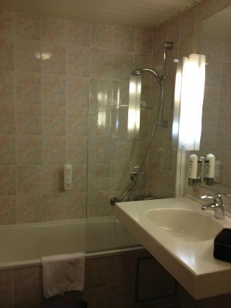 Scandic Hotel Grand Place: bathroom