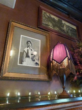 Riley's : Inside of the restaurant