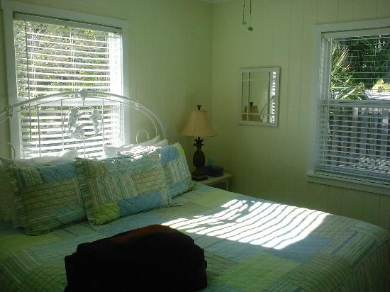 Arbors by the Sea: Bedroom in Iris cottage