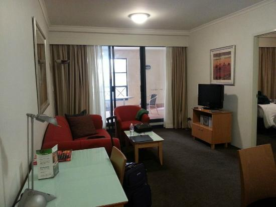 Medina Serviced Apartments Martin Place: View from as soon as you walk in.