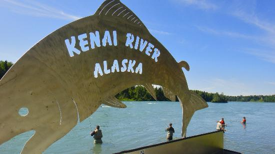 Kenai River Lodge: Fish cleaning table