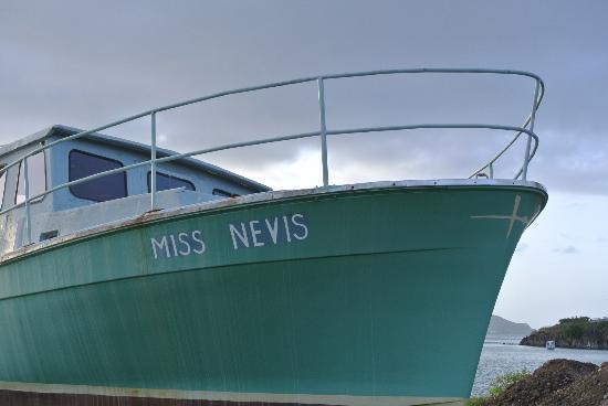 نيفيس: Nevis 