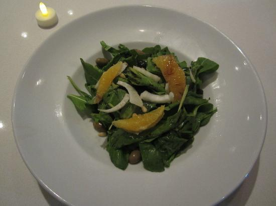 Angelina's Pizzeria: Exquisite Angelina's Salad