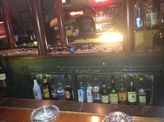Kings Restaurant & Lounge: bar view