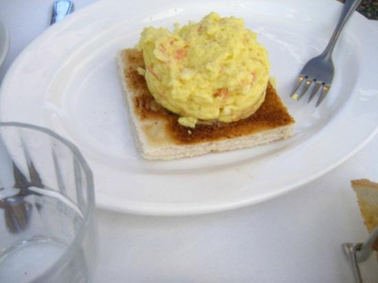Scholars Townhouse Hotel: Breakfast - scrambled eggs