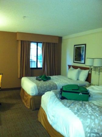 La Quinta Inn & Suites Las Vegas Airport N Conv.: clean comfy room