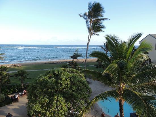 Courtyard Kaua'i at Coconut Beach: Viwe of Ocean, looking left off balcony