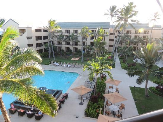 Courtyard Kaua'i at Coconut Beach: View of Pool and Courtyard