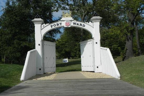 Alexandria, VA: Formal gate to the fort