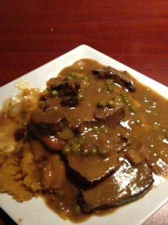 McGrath's Tavern: Get the pot roast!