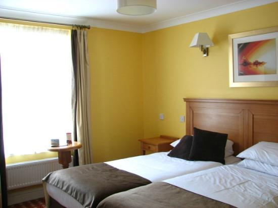 Castle Hotel: Room - two twin bed configuration