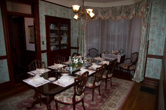 The 1899 Wright Inn and Carriage House: Dining room