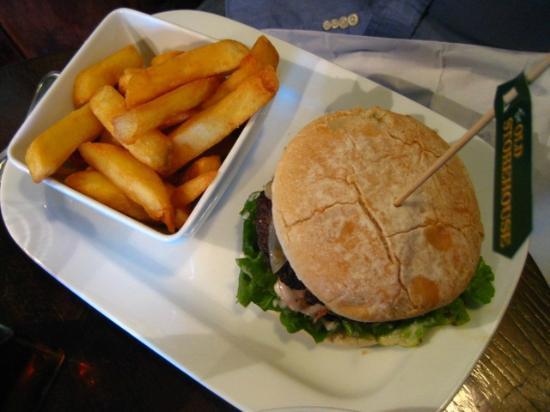 The Old Storehouse: Burger - ok