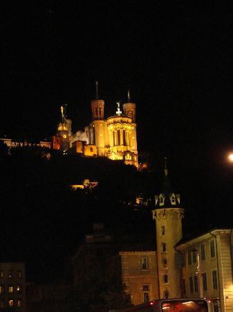 Sejours & Affaires Apparthotel  Lyon Park Lane: Notre Dame Cathedral, Lyon
