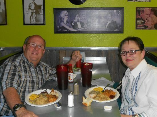 Willie and Dick's Grill: My wife and I enjoy Thanksgiving 2012