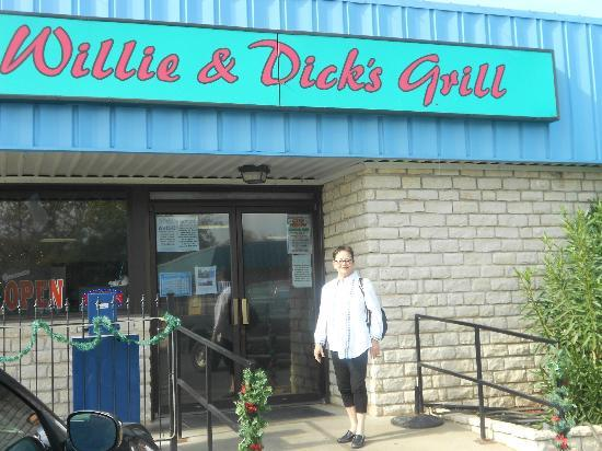Willie and Dick's Grill: We intend to be here Thanksgiving 2013