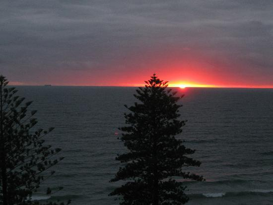 Coolum Caprice Luxury Holiday Apartments: Another of the glorious sunrises