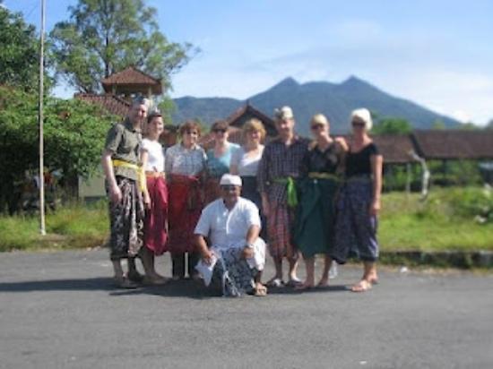 Elvys Bali Tours