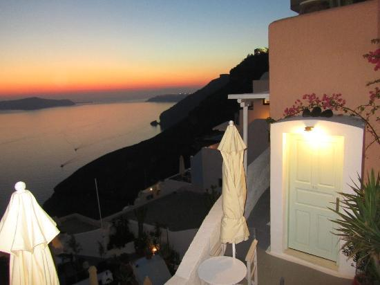 Hotel Kavalari: Your never get tired of the sunsets!