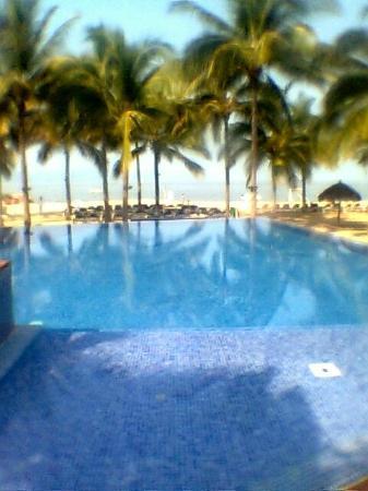 Friendly Vallarta All Inclusive Family Resort: Alberca de adultos. No te permiten nadar, sólo descansar.