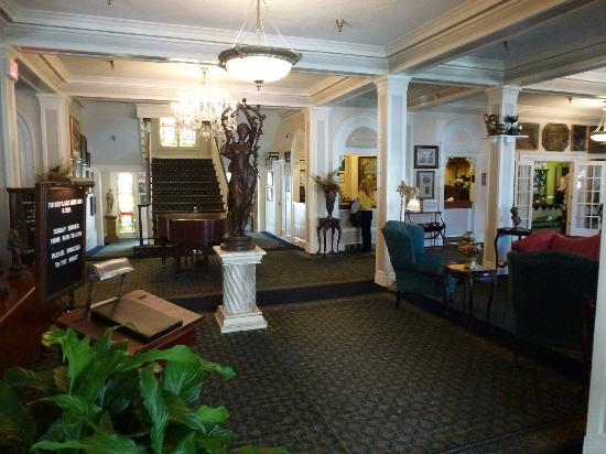 The 1927 Lake Lure Inn and Spa: Lobby and Registration