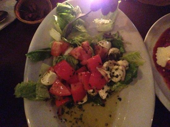 Alberta, Canada: Tomato bocconcini salad