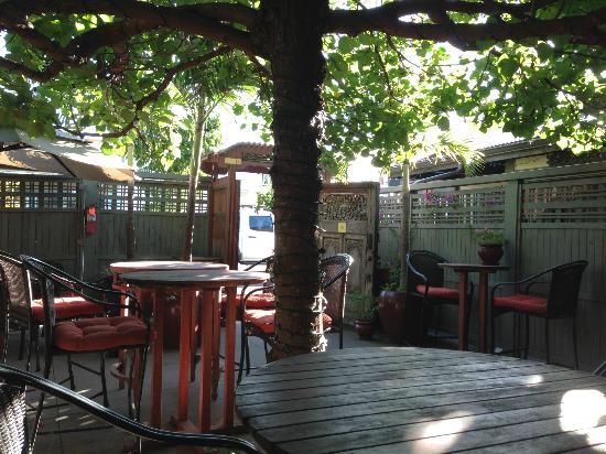 Paia Inn Hotel: Breakfast area