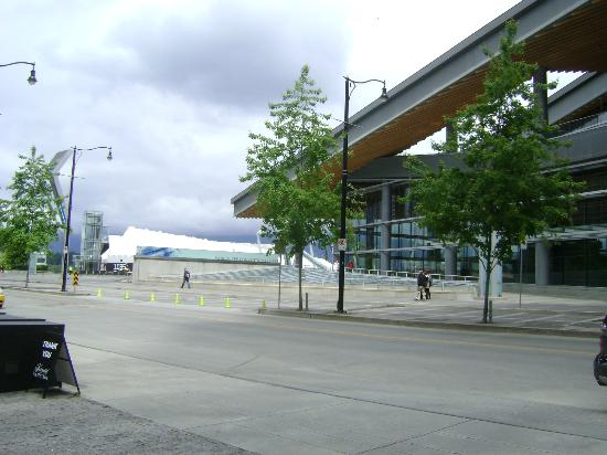 Fairmont Pacific Rim: Vancouver Convention Centre in front of hotel