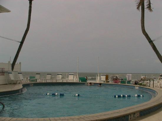 Sandpiper Gulf Resort : Pool