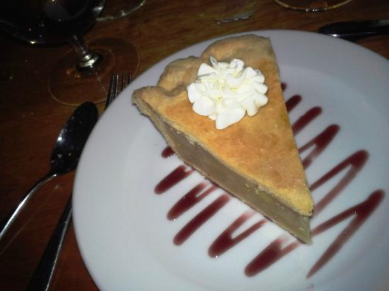 The Restaurant at Alderbrook : Apple pie - No ala mode :'(