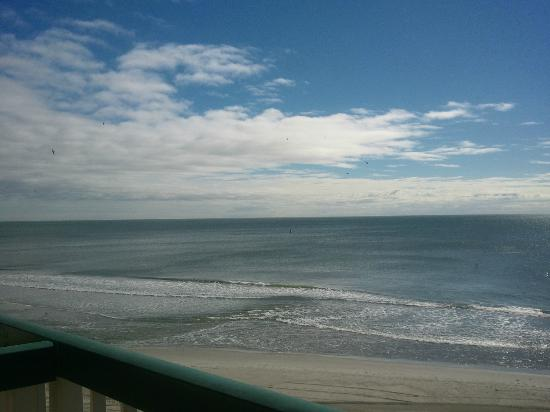 Westgate Myrtle Beach Oceanfront Resort: view from room of beach
