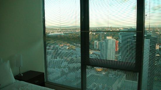 Melbourne Short Stay Apartments at SouthbankOne: Daytime view