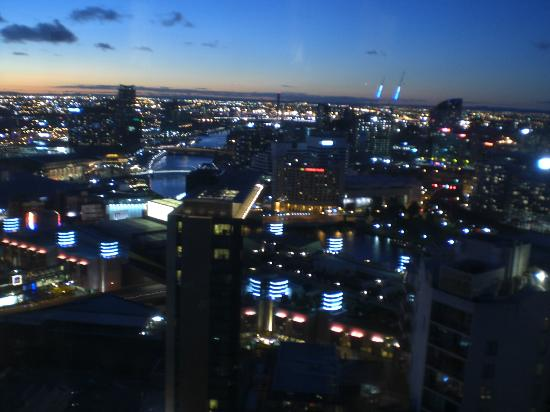 Melbourne Short Stay Apartments at SouthbankOne: Night time view