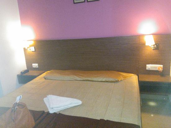 Hotel Aarian Aatithya: Good comfortable beds