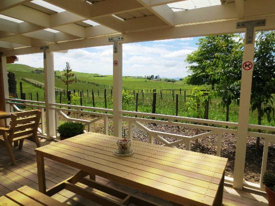 Woodturners Cafe: Outdoor seating with rural view