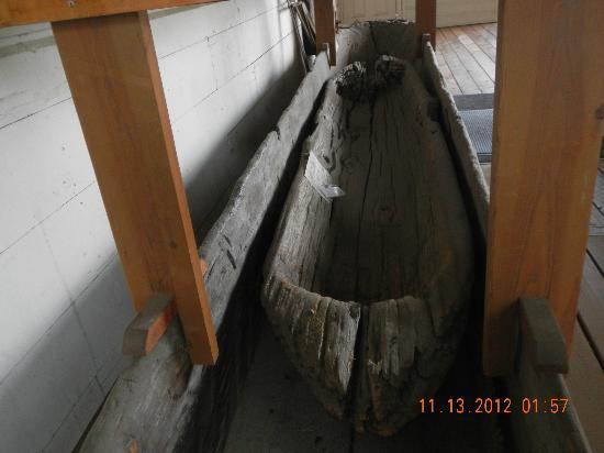 Siuslaw Pioneer Museum: Dugout