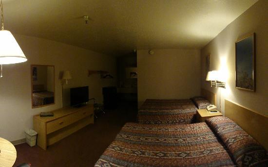 Prospector Inn: room