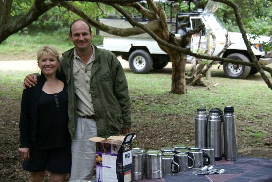 ‪‪Heritage Day Tours & Safaris‬: Trevor & Maria at morning tea