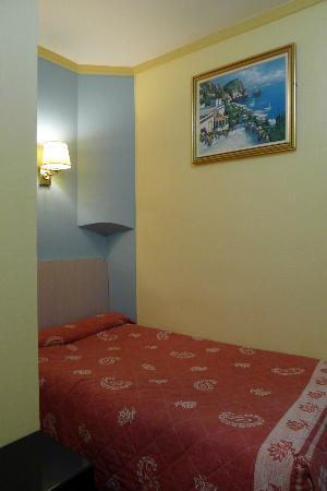 阿韋尼爾酒店照片