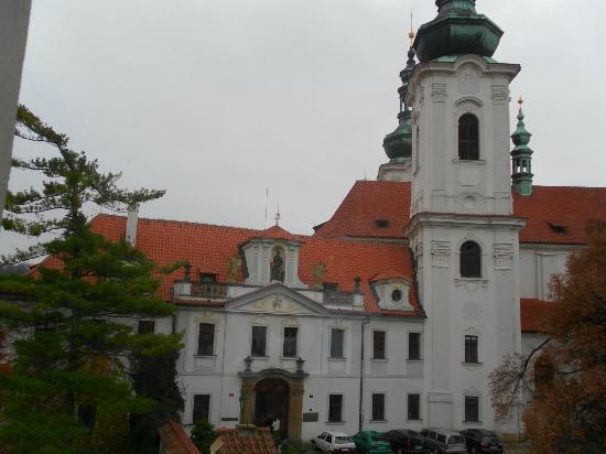 Hotel Monastery: la vista da una finestra