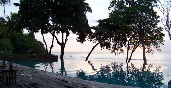 Jeeva Klui Resort: View to beach across main pool